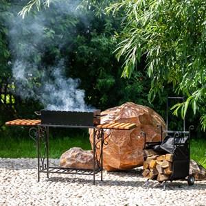 Мангал кованый с деревянными полочками 860-87R