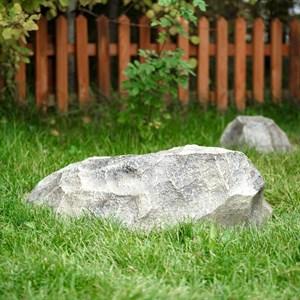 Крышка люка Камень-валун