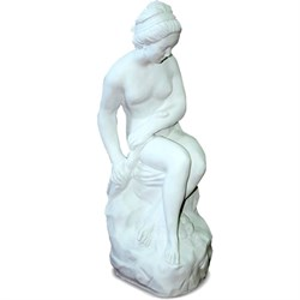 Фигура Девушка со змеем